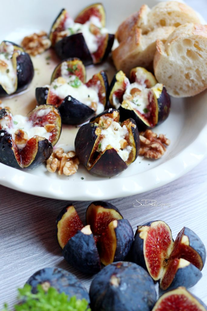baked figs filled with goat cheese