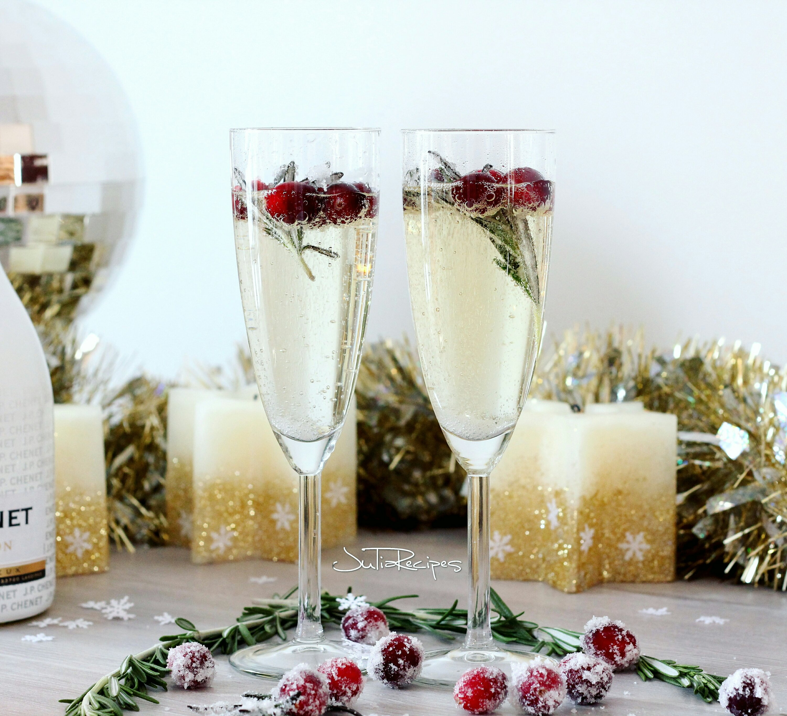 Champagne with dancing cranberries