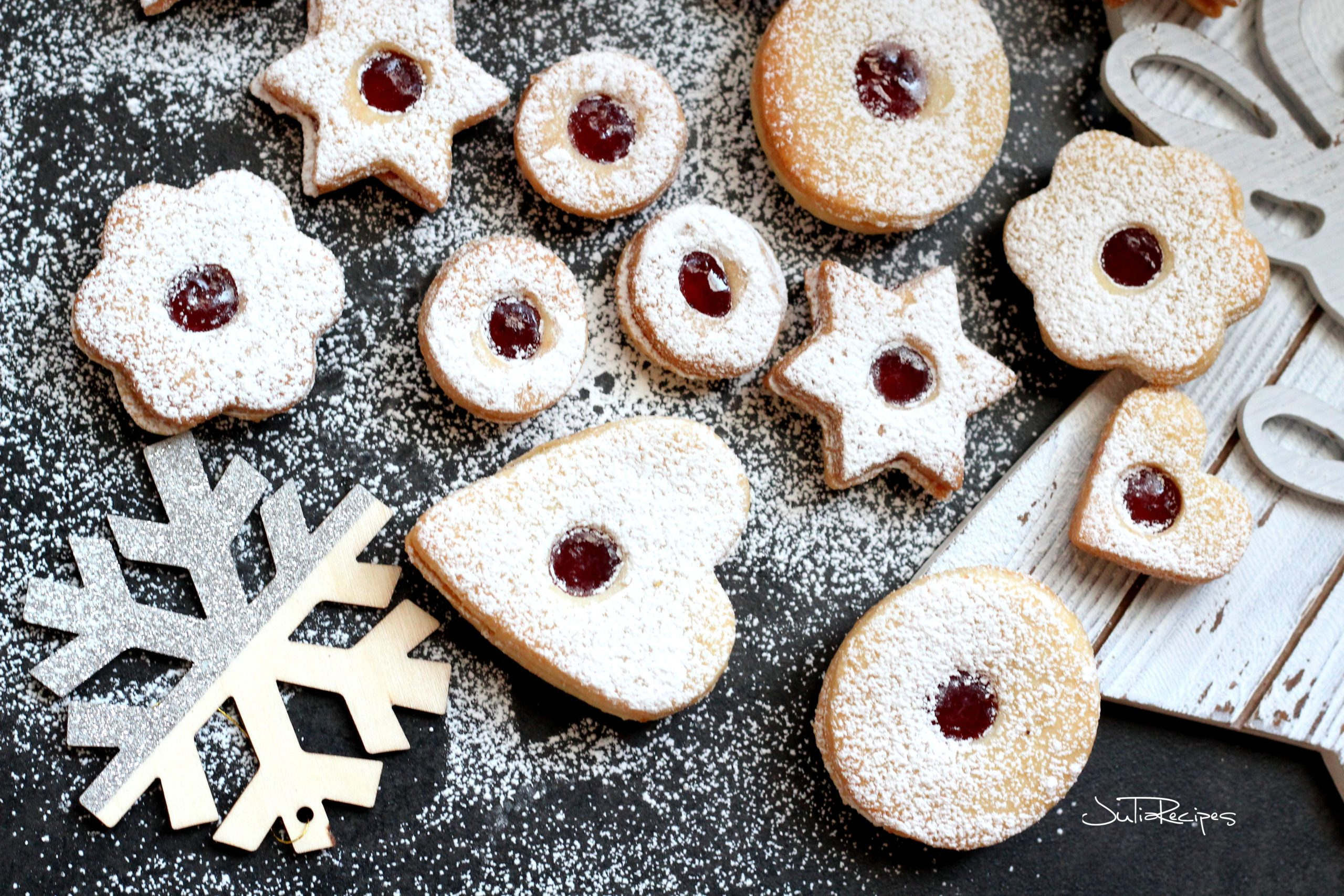 linzer cookies filled with jam