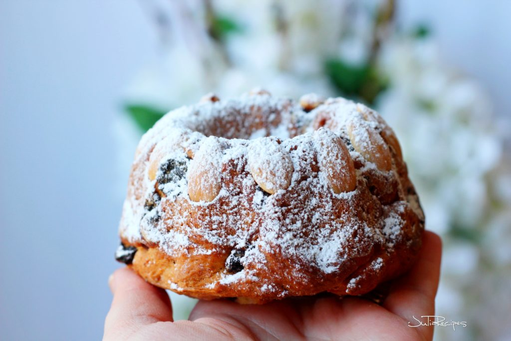 alsiatic brioche with almonds