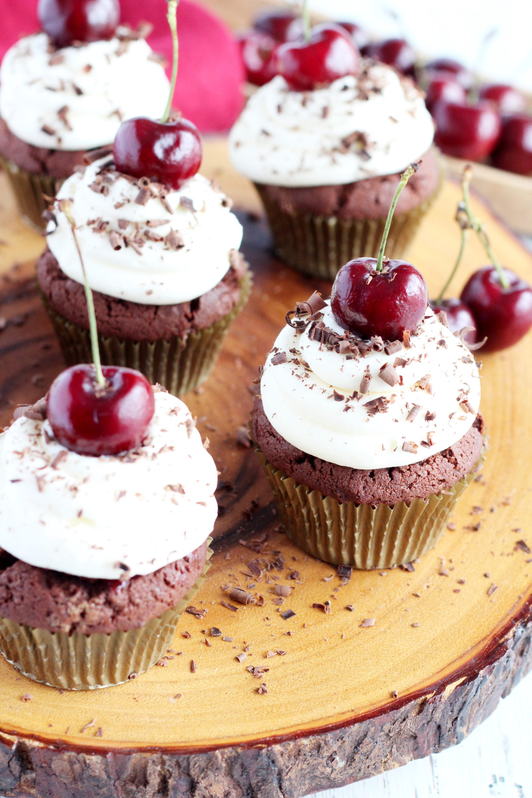 cupcakes with cherries