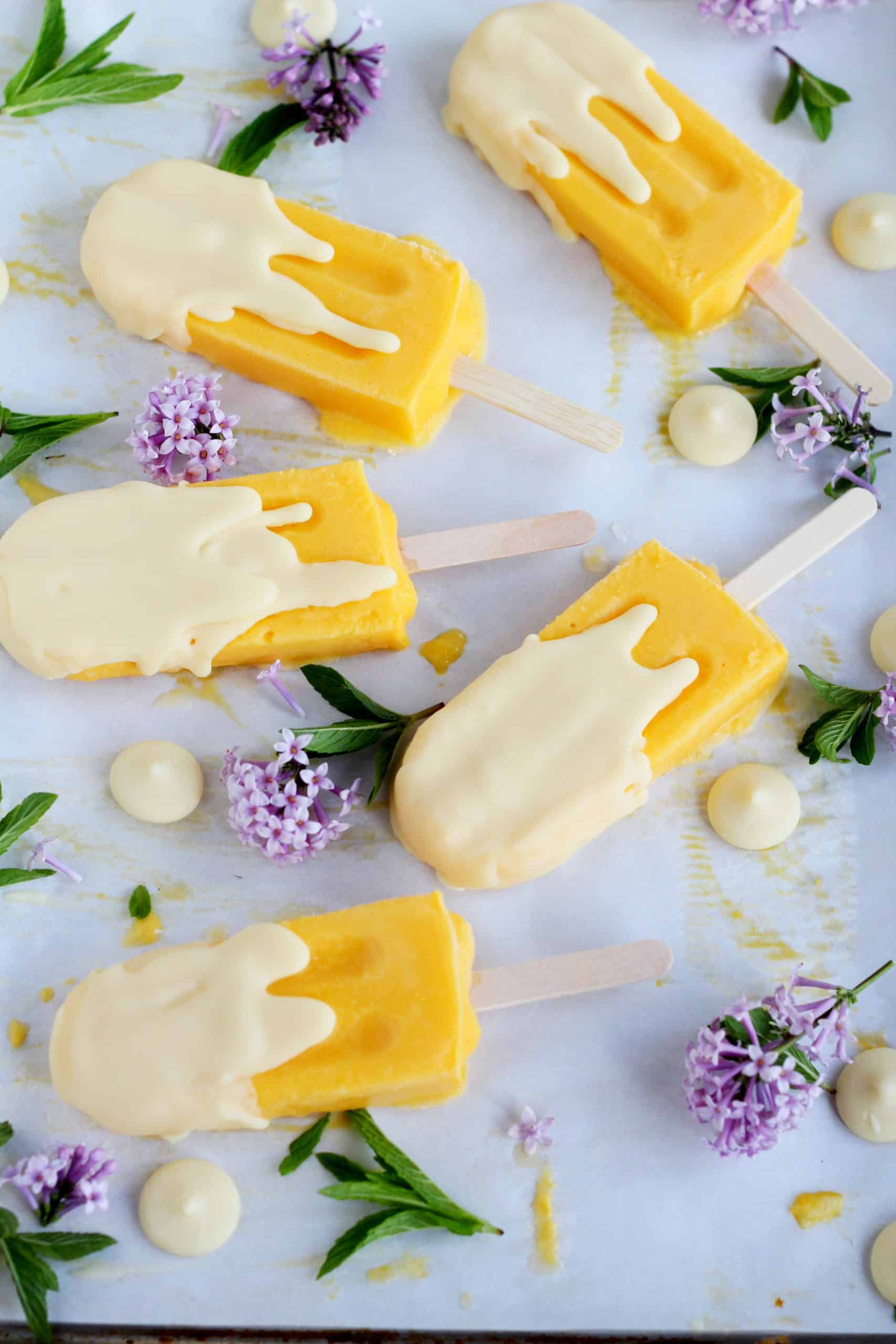 popsicles with white chocolate