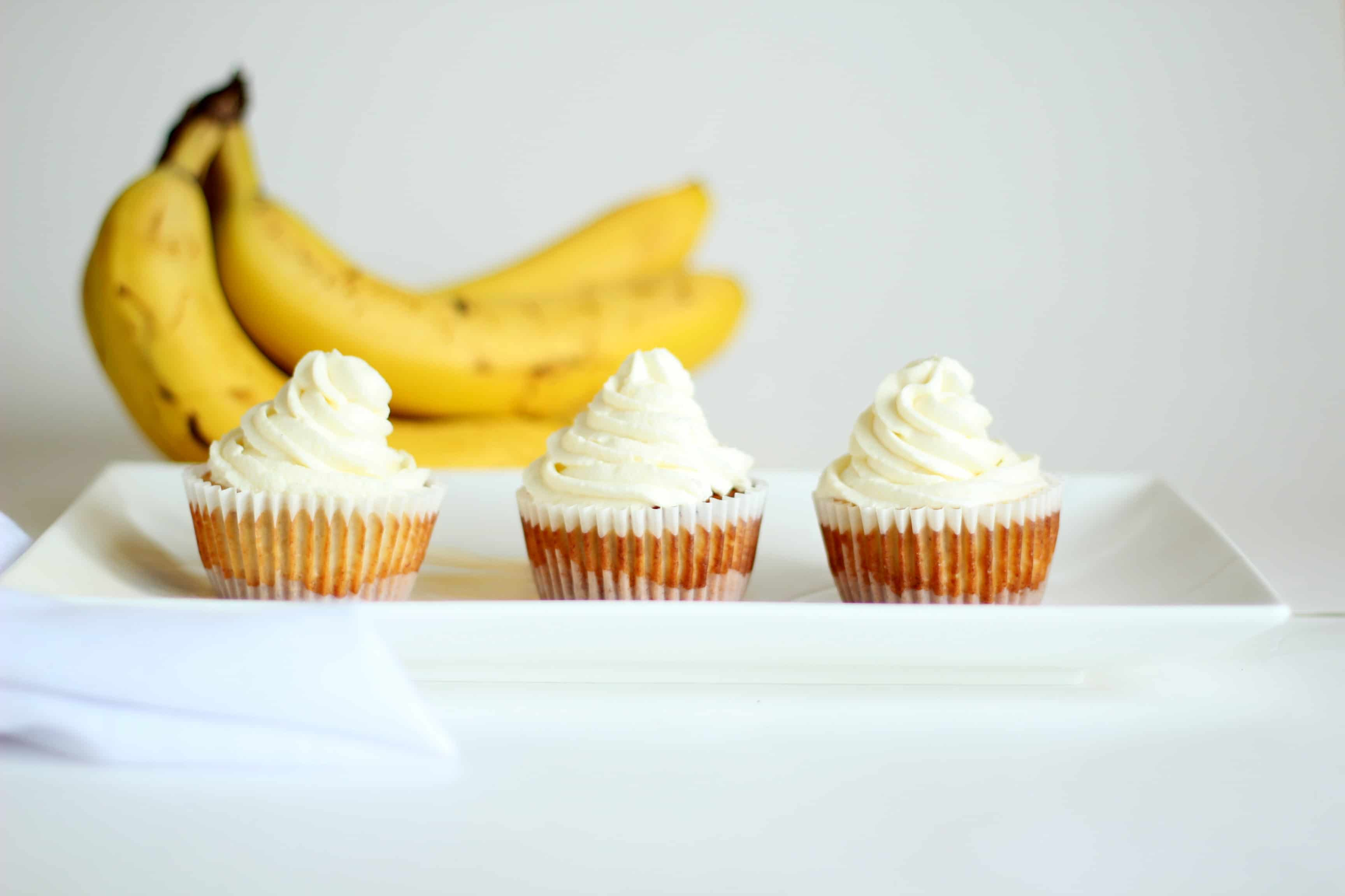 mini banana cheesecake
