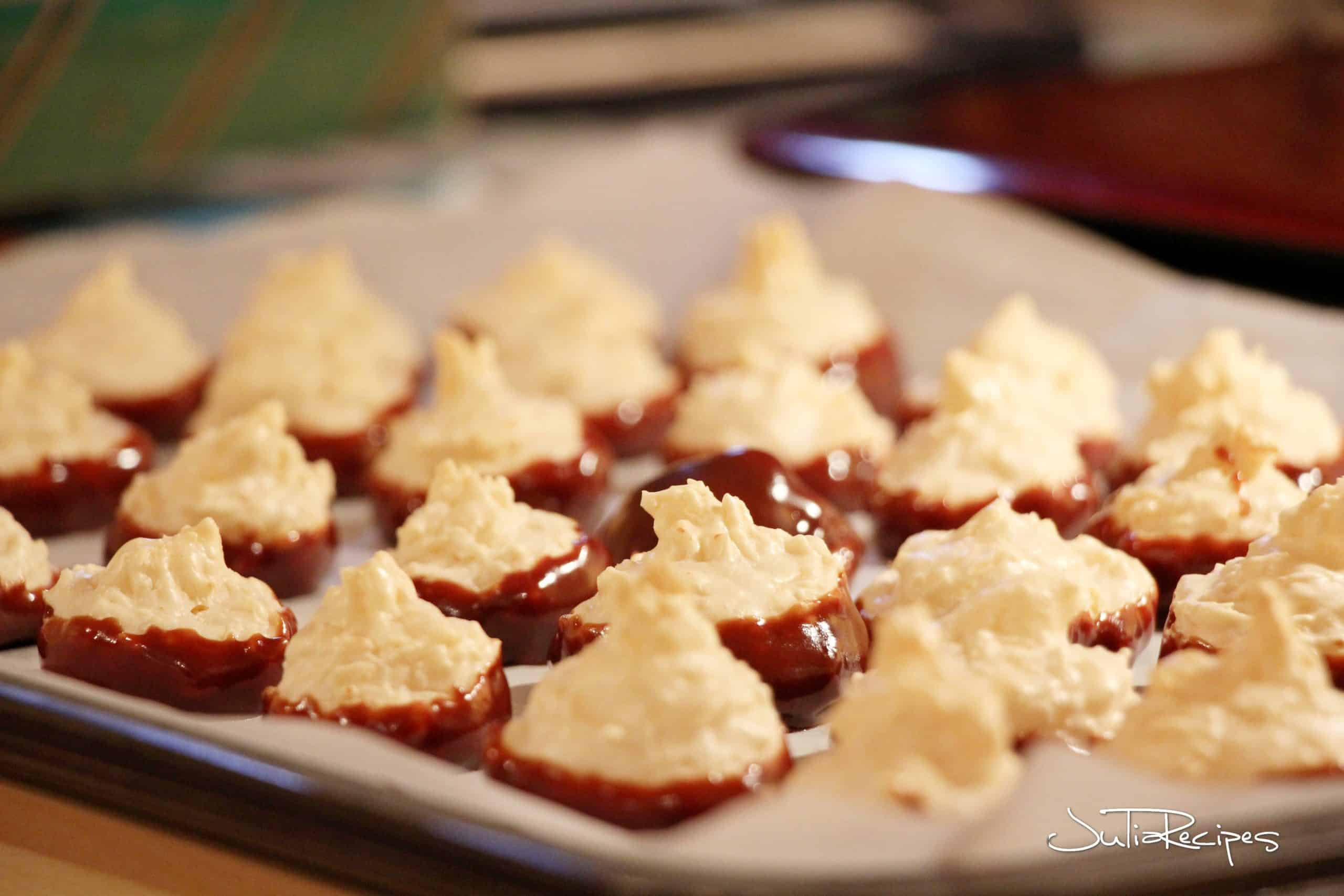 cookies with coconut flavour with chocolate
