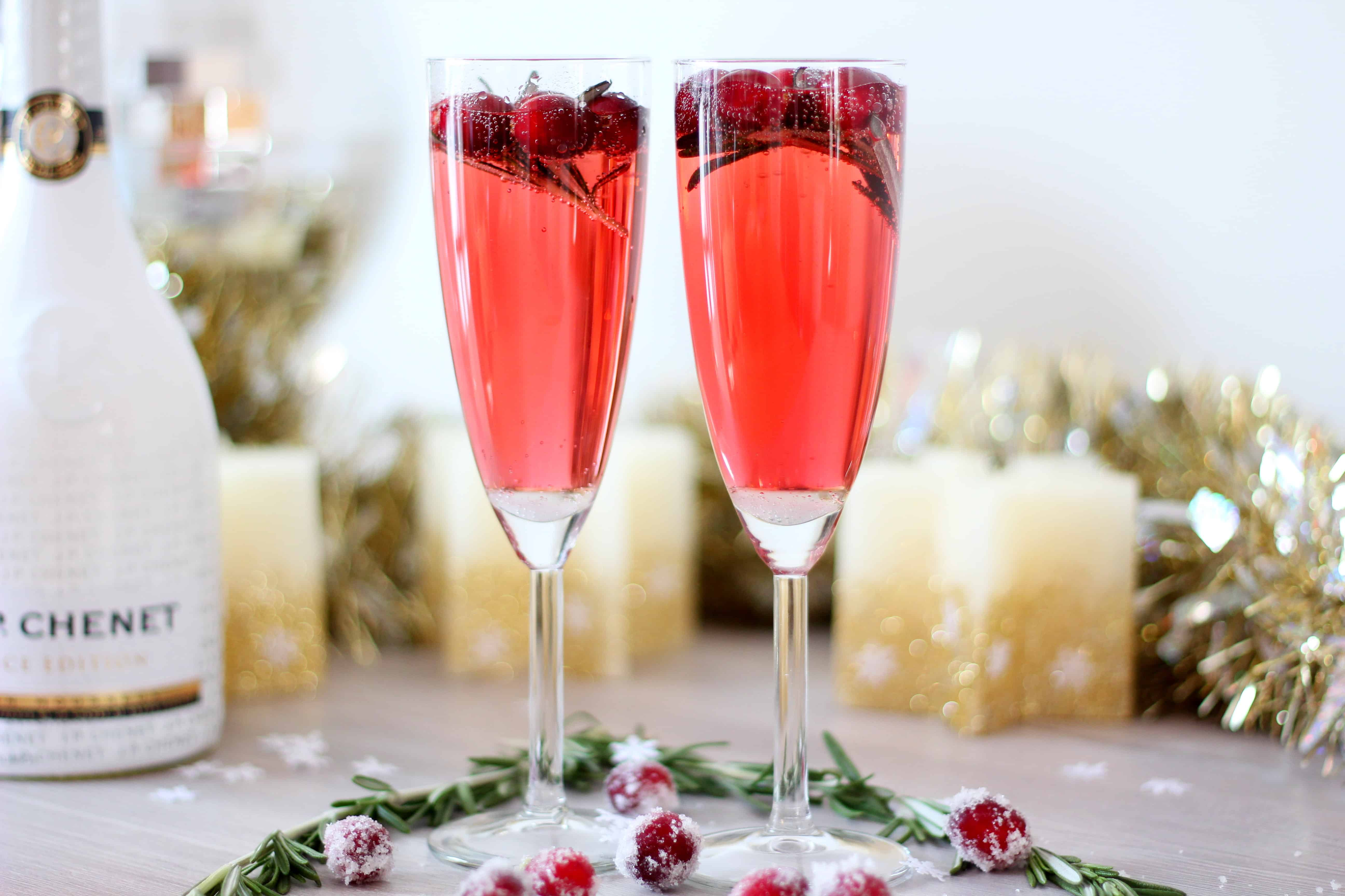 Sparkling wine with cranberry juice.JPG