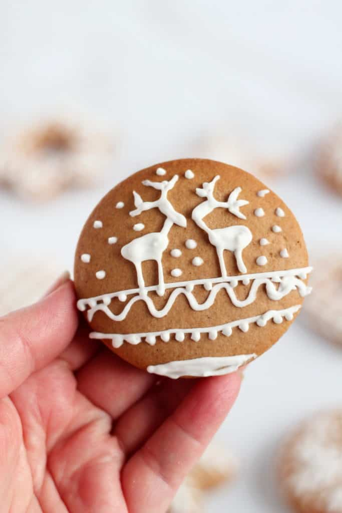 round gingerbread cookie